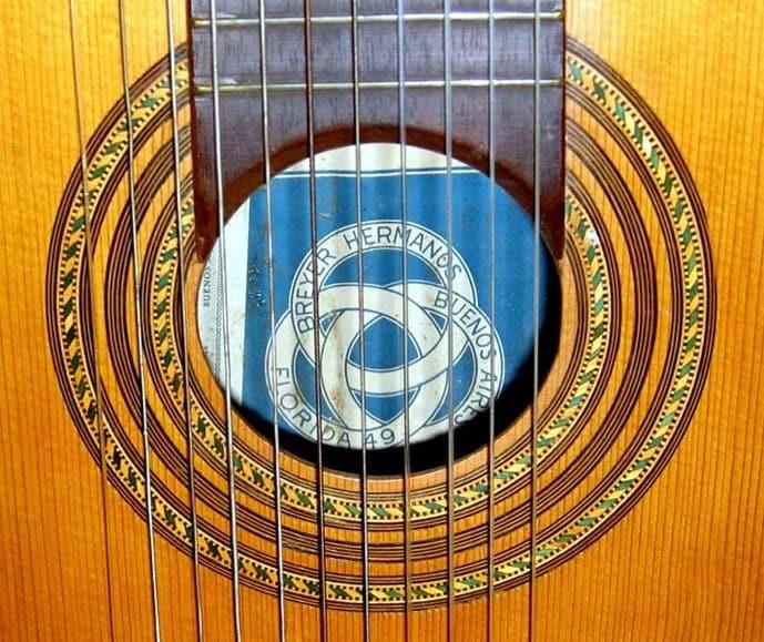 breyer guitar 3
